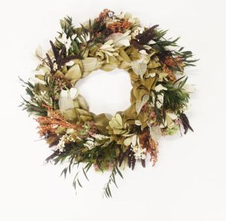 Southern Flair Magnolia Wreath ~ The Magnolia Company