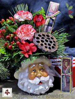 Santa and Sweets Bouquet & Chocolates